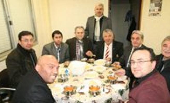 Bizbize Karaman Platformu Yüz Yillik Gelenegi Yasatti