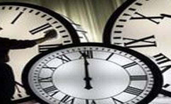 Saatler Ne Zaman Ileri Alinacak?