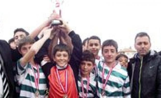 Yildiz Futbol Maçlari Sona Erdi