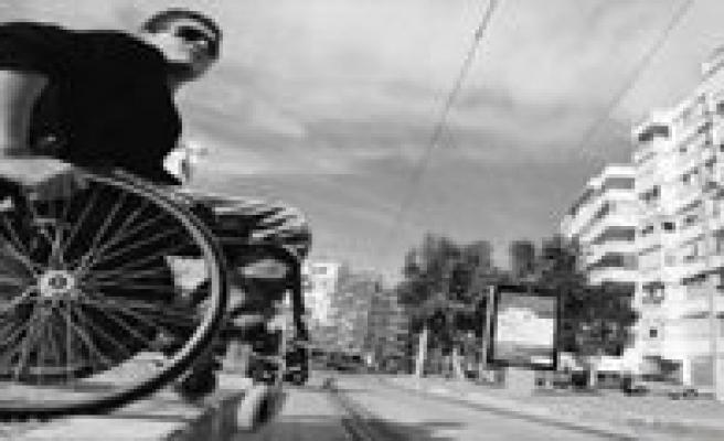 Bakanlik`tan Aile Hekimlerine Engelli Uyarisi