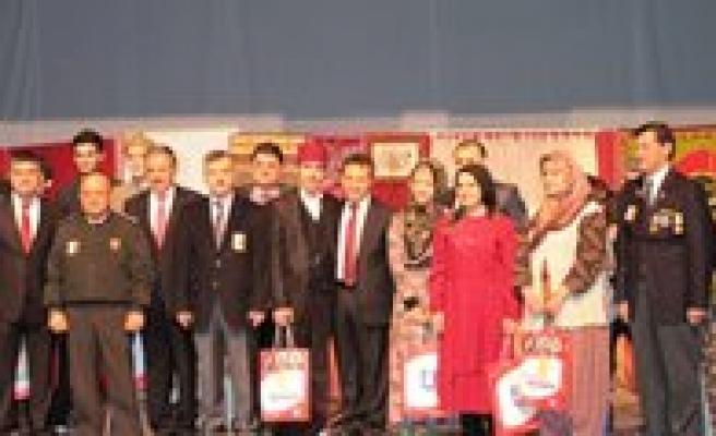 Istiklal Marsinin Kabulü ve Mehmet Akif Ersoy'u Anma Günü Kutlandi