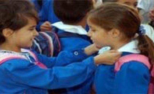 Önlük Okula Geri Dönüyor