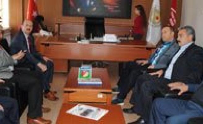 Milletvekili Akgün'den, Öztiryaki'ye Tesekkür Ziyareti