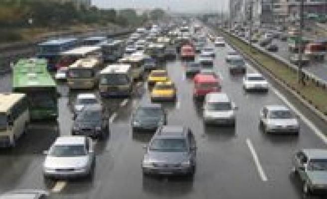 Trafikteki Araç Sayisi 17,2 Milyona Ulasti