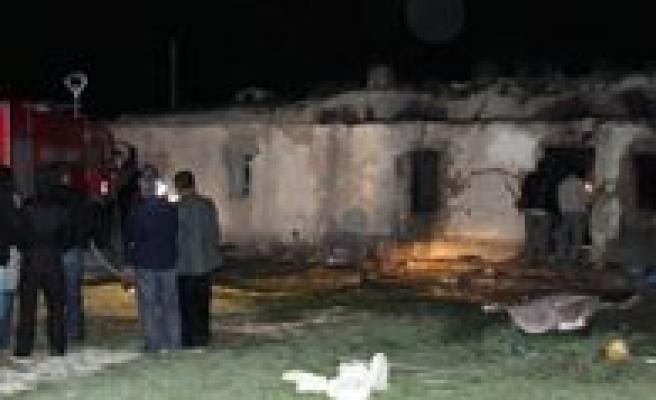 Konya'da Patlama: 4 Ölü, 2 Yarali