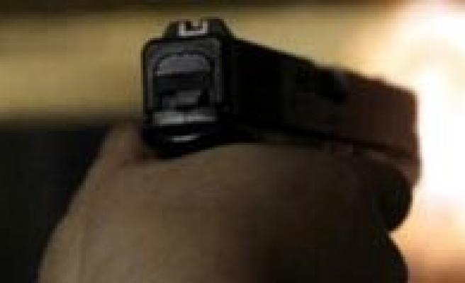Karaman`da 2 Kisi Silahla Yaralandi