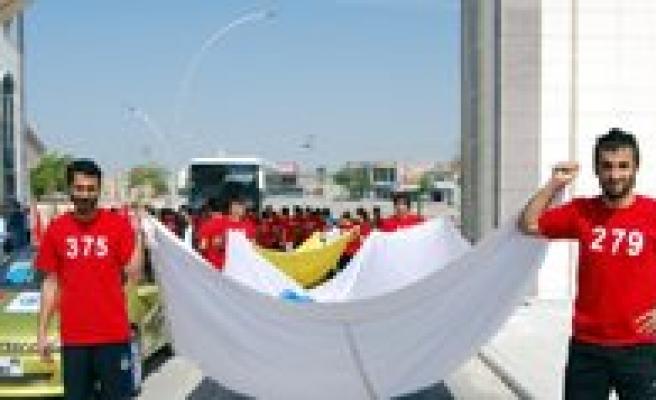 KMÜ'de Olimpiyat Oyunlari Kosusu Yapildi