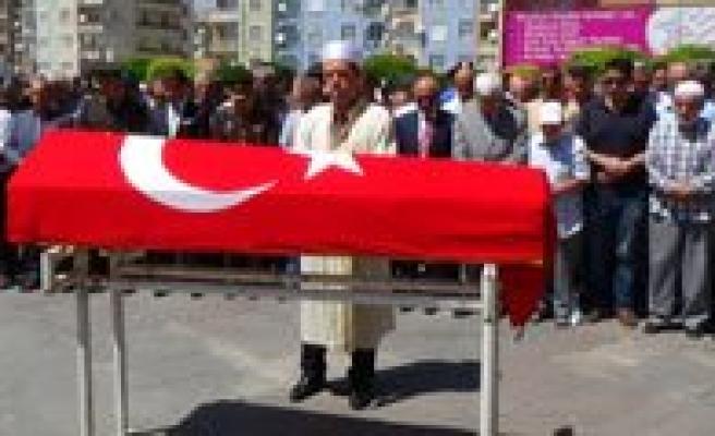 Ünlü Sair Bekir Sitki Erdogan Son Yolculuguna Ugurlandi