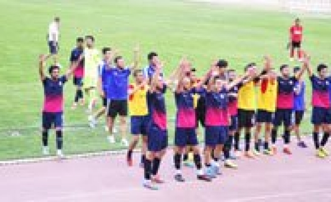 Karaman Belediye Spor Bir Üst Turda