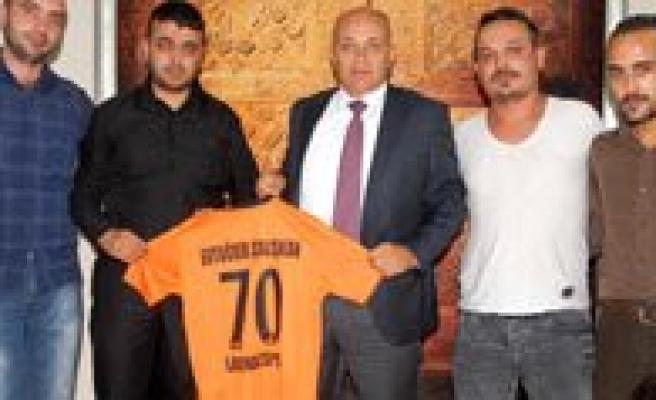 70 Larende Spor Kulübü Baskan Çaliskan'i Ziyaret Etti