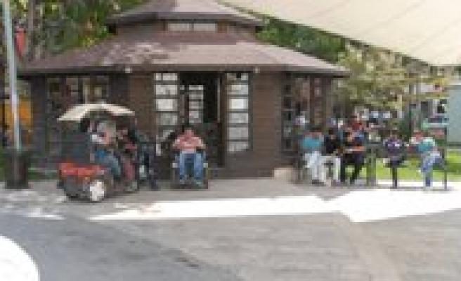 Engelliler Kugulu Parkta Bulusuyor