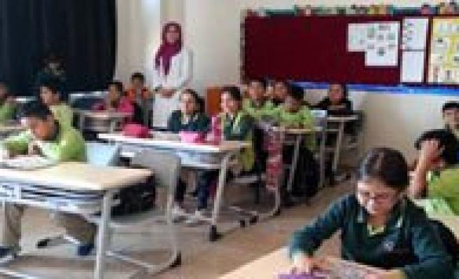Gevher Hatun Kolejinde Yabanci Ögretmenlerle Ingilizce Egitimi