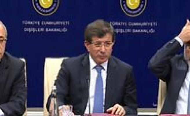 Basbakan Davutoglu, Enerji Ve Tabii Kaynaklar Bakani Yildiz`dan Bilgi Aliyor