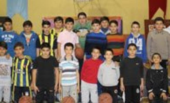 Karaman'da Gelecegin Basketçileri Yetisecek