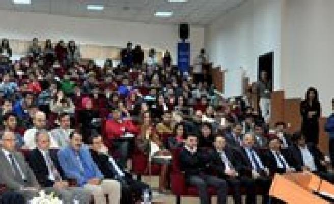 KMÜ'de Kariyer Günleri Konferansi