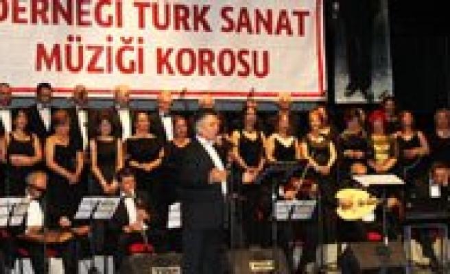 Ankara Karamanlilar Dernegi'nden Ermenek Için Anlamli Konser