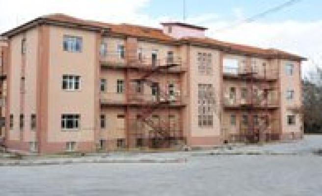 Eski Devlet Hastanesi Yikiliyor