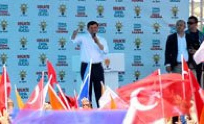 """Davutoglu: """"Karaman Artik Kenarda Bir Il Degil, Türkiye'nin Yükselen Ili Oluyor"""""""