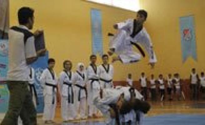 Karamanli Taekwondoculara Milli Davet