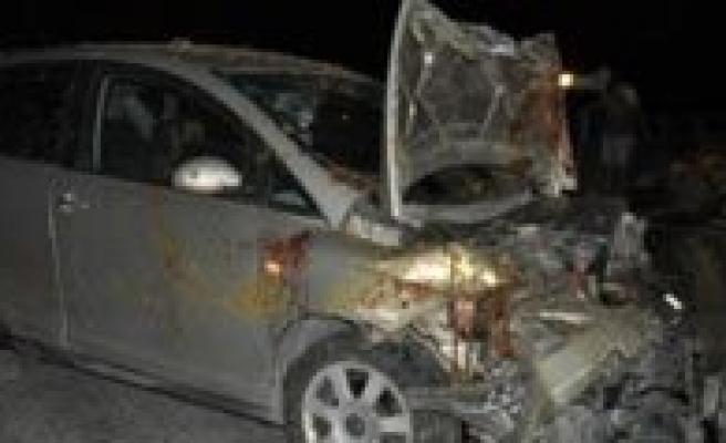 Karaman'da Otomobil Koyun Sürüsüne Çarpti: 3 Yarali