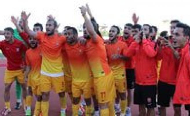Karaman Belediyespor, Kupada Ilk Turu 4 Golle Geçti
