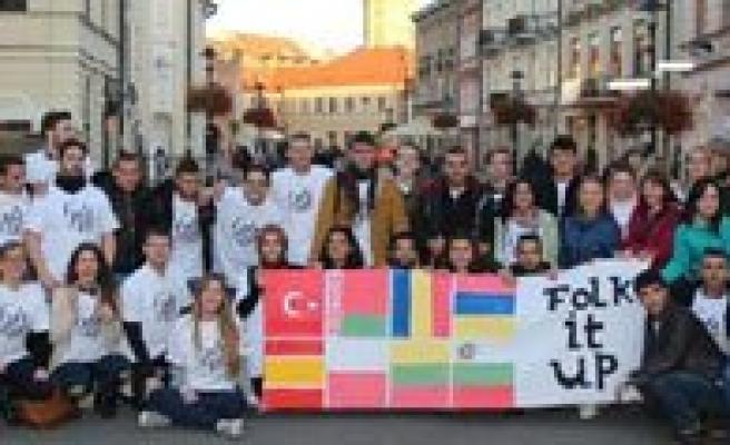 Yerel Halk Danslarimiz Polonya'da Sergilenecek