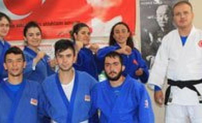 Karaman'li Judocular Avrupa Arenasina Çikiyor