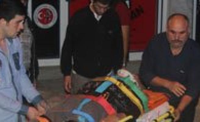 Balkondan Düsen Yasli Adam Hayatini Kaybetti