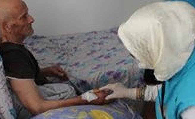 Karaman'da Evde Saglik Hizmetleri Devam Ediyor