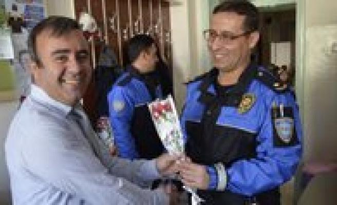 Toplum Destekli Polisler, Ögretmenlerimizi Unutmadi
