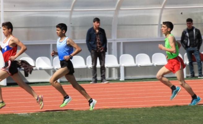 Karaman'da Puanlı Atletizm Heyecanı Yaşandı