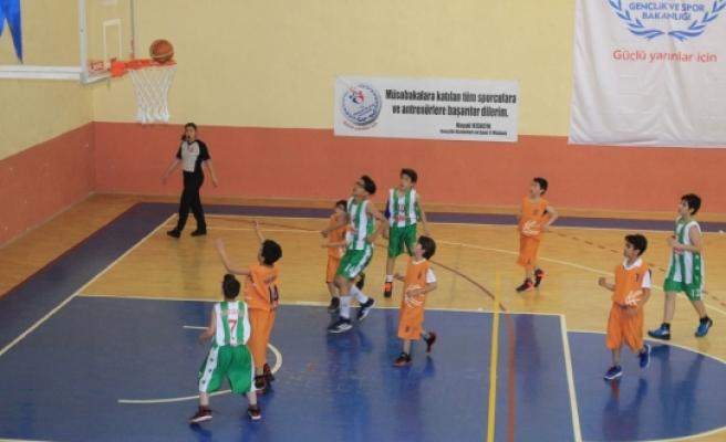 Minik Basketçiler Potada Devleşti