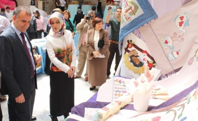 Kursiyerlerin El Emeği Göz Nuru Ürünleri Görücüye Çıktı
