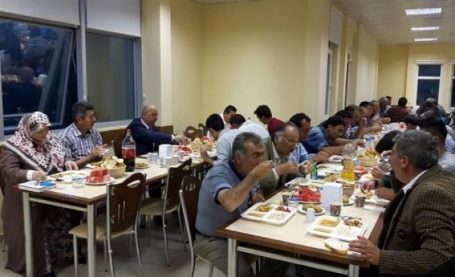 Başkan Samur'dan Belediye Personeline İftar Yemeği