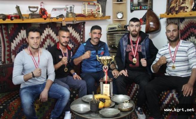 Türkiye Şampiyonu Olan Sporcular Destek Bekliyor