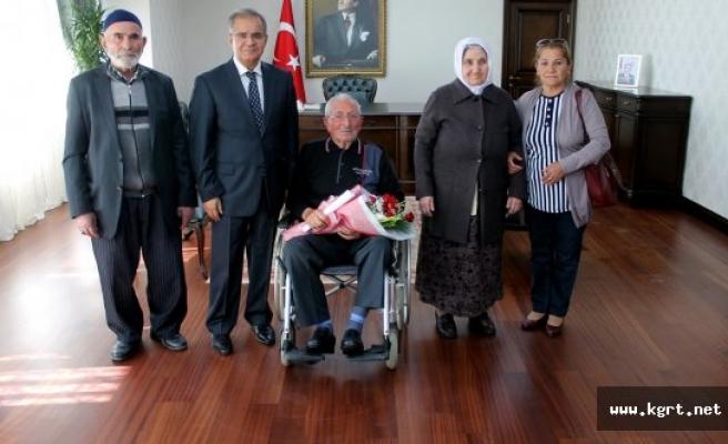 Huzurevi Sakinlerinden Vali Süleyman Tapsız'a Ziyaret