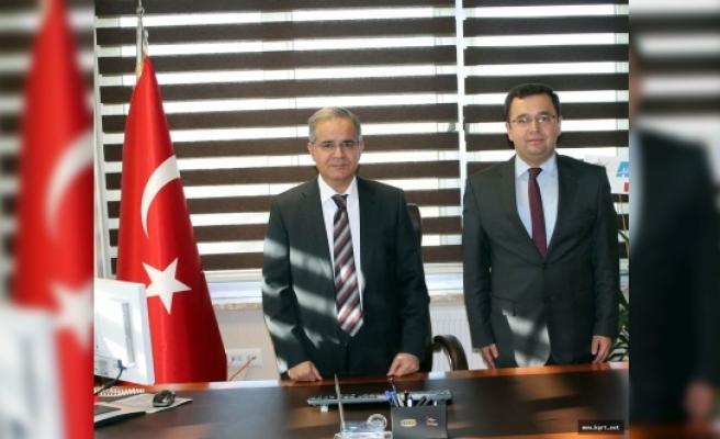 Vali Tapsız'dan SGK İl Müdürlüğü İle Sosyal Yardımlaşma Ve Dayanışma Vakfına Ziyaret