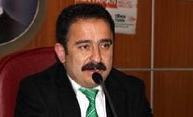 AYD Baskani Burhan: Yasaklar Ve Cezalar Yerel Basinin Elini Kolunu Bagliyor