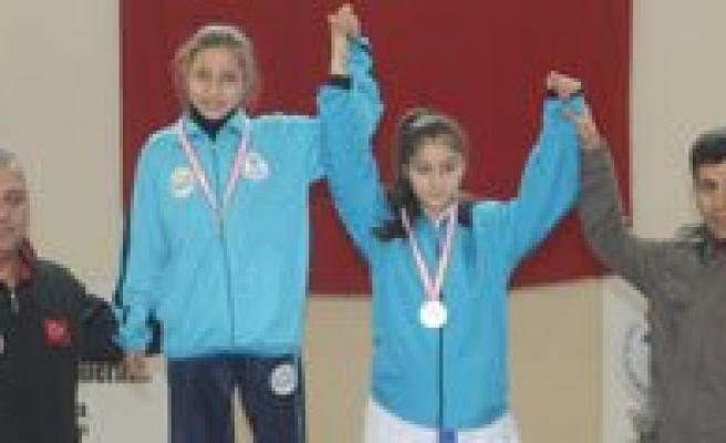 Analig Karate Grup Müsabakalari Karaman'da Yapildi