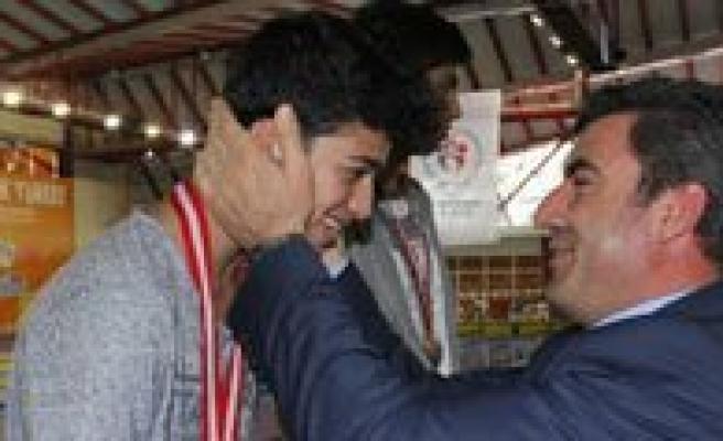 Karamanli Yüzücüler Türkiye Sampiyonasi Finallerinde