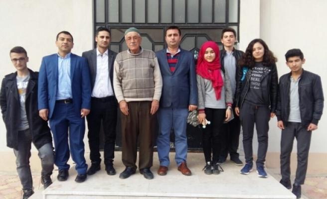 Kazımkarabekir Çok Programlı Anadolu Lisesin'den Şehit Ailelerine Anlamlı Ziyaret
