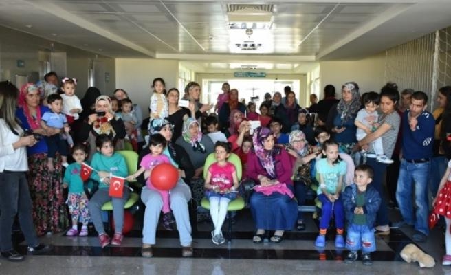 23 Nisan'ı Hastanede Kutladılar
