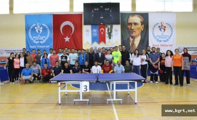 Kurumlar Masa Tenisi Turnuvası'nda Buluştu