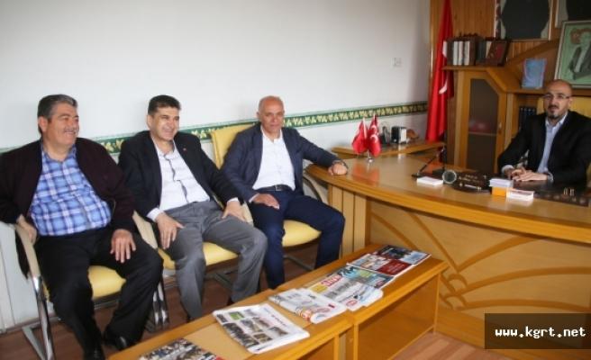 Başkan Çalışkan'dan MHP Ve Ülkü Ocaklarına Hayırlı Olsun Ziyareti