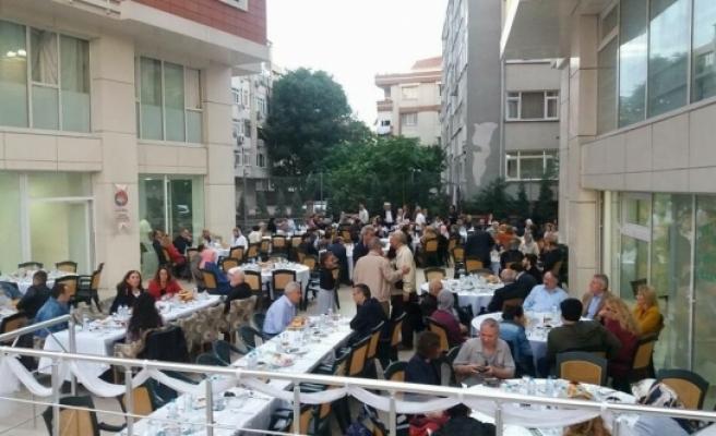 Gurbetteki Karamanlılar İkev'in İftarında Hasret Giderdi