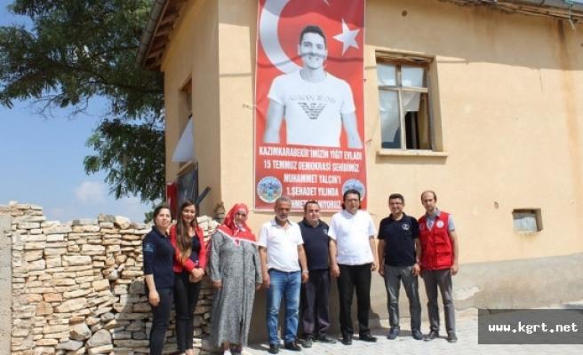 Gençlik Merkezi'nden 15 Temmuz Şehidi Yalçın'a Dua Ve Karanfil