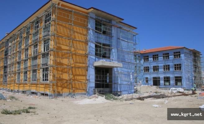40 Derslikli İki Yeni Okul Hızla Yükseliyor
