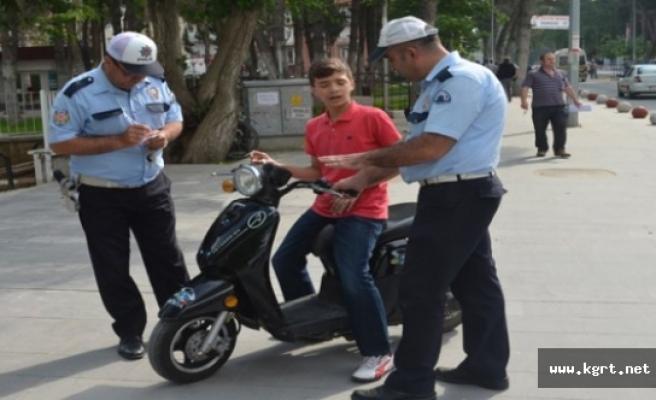 Polis Motosiklet Ve Elektrikli Bisiklet Denetimlerini Yoğunlaştırdı