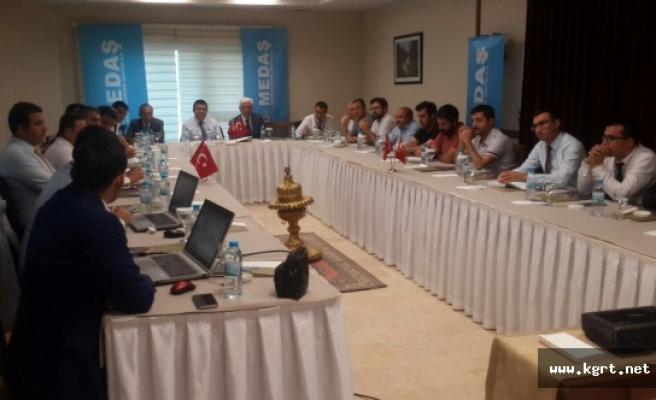 MEDAŞ Kırşehir'de Elektrik Mühendisleri Ve Elektrikçilerle İle Buluştu