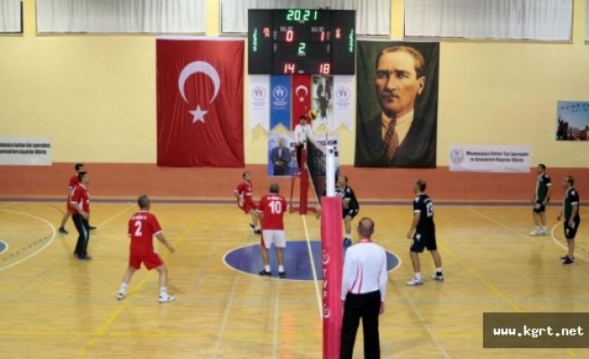 Öğretmenler, Voleybol Turnuvasında Ter Dökecek